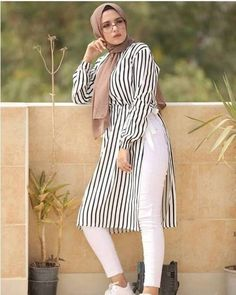 Hijab outfits in summer spirits – Just Trendy Girls - Muslim Fashion Hijab Fashion Summer, Muslim Fashion, Modest Fashion, Trendy Fashion, Style Fashion, Hijab Outfit, Girl Hijab, Hijab Stile, Muslim Dress