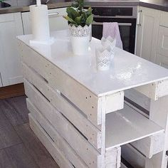 A Kitchen Island - Made From Pallets --- #pallets
