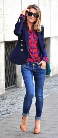 Plaid shirt with a navy blazer make for a preppy chic fall look