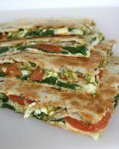 Spinach and Tomato Quesadilla with Pesto - leftovers could be used for easy quick lunch with salad. Always looking for lunchbox ideas!