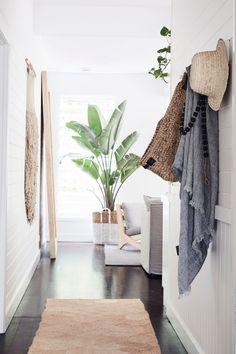 3 Creative And Inexpensive Cool Ideas: Coastal Exterior Design coastal decor inspiration.Coastal Furniture Dream Homes. Coastal Bedrooms, Coastal Living Rooms, Home And Living, Coastal Curtains, Coastal Bedding, Style At Home, Decor Interior Design, Interior Decorating, Decorating Ideas