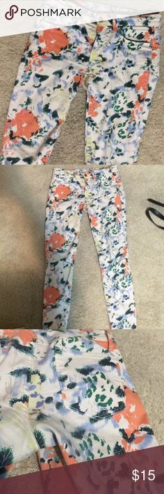 GAP 1969 floral legging jean Great condition floral legging jean GAP Jeans Skinny
