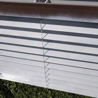 How to paint blinds the fastest and cheapest way Pvc Blinds, Faux Blinds, Wood Blinds, Blinds For Less, Bathroom Wall, Bathroom Ideas, Painting Blinds, Brick Accent Walls, Powder Room Decor