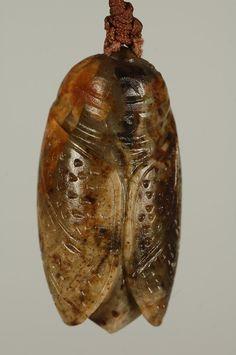腰纏萬貫(玉蟬)_年糕玉 Jade Cicada  花蓮石頭藝術網-企劃展覽