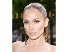 @byrdiebeauty - Jennifer Lopez    Lopez's longtime makeup artist Mary Phillips gave her a bronze glow and super-contoured cheekbones at Versace's couture show.  (Lucky for us, she's not one to keep secrets—click here to find out how she keeps Lopez's skin looking so flawless!)