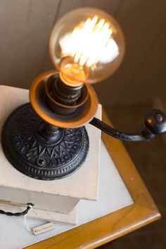 Touch Lamp, Vintage Coffee, Lamps, Table Lamp, Bulb, Home Decor, Lightbulbs, Lamp Table, Decoration Home