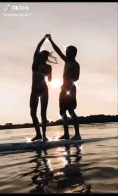 Summer Couples, Teen Couples, Romantic Couples, Relationship Goals Pictures, Cute Relationships, Relationship Quotes, Cute Friend Pictures, Cute Couple Pictures, Couple Pics