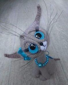 Схема вязания такого котика. Автор описанияPer4ik,amigurumi.com.ua Для вязания кота нам понадобится: пряжа: - основного цвета