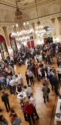 Normalerweise freuen wir uns um diese Zeit bereits auf ein kommendes Weinevent. Den Linzer Weinherbst. Das Jahr 2020 ist aber völlig anders. Schon der Linzer Weinfrühling mußte Corona-bedingt kurzfristig abgesagt werden. Und Corona ist auch schuld daran, dass der beliebte Linzer Weinherbst 2020 leider nicht stattfinden kann. #2020 #Linz #LinzerWeinherbst #Weinevent #Weinfrühling #Weinherbst #Linzer Weinherbst#Weinverkostung