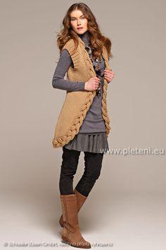 4fc42b57f581 dámská ručně pletená vesta z příze Merino 85