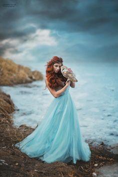 Blue dream...  Redhead woman with owl, fairytale with blue sky, clouds, sea... - photo: Marketa Novak model: Slavěna Albastová dress: Victory salon