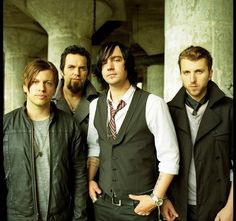 is anyone else in love with adam gontier? hes the hot one w/ the black flippy hair :)