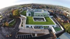 The prestigious new Banbridge Community Treatment & Care Centre (CT&CC) in County Down, Northern Ireland, has an effective long-term water-proofing solution, after 2,500m2 of Alumasc's Hydrotech waterproofing systems, covered by Intensive Alumasc Blackdown green roof and Derbigum, was installed on the roofs, balconies and terraces.