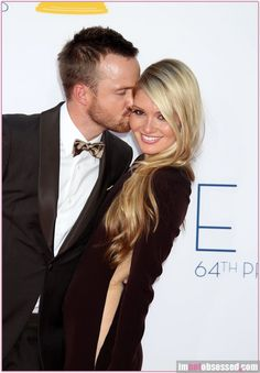 """Aaron Paul """"Begged"""" her to marry him, you definitely wouldn't have to beg me to marry him"""