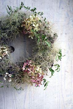 新作アップのお知らせ 7.7 : シベリアケヱキのこんな一日 Dried Flower Wreaths, Wreaths And Garlands, Door Wreaths, Dried Flowers, Hydrangea Wreath, Autumn Wreaths, Holiday Wreaths, Deco Floral, Diy Wreath