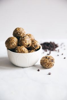 Fiber & protein packed peanut butter energy bites with amazing chewy texture! Loaded with nutritious ingredients like flaxseed, chia, coconut, oats, & more!