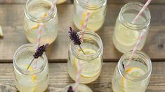 Sauer macht lustig und Limonade glücklich! Ein Rezept für selbstgemachte Limonade mit Zitrone und Melone.
