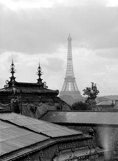Paris, black and white