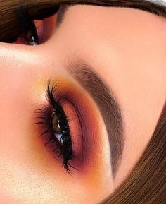fall colours fall makeup orange red and yellow Fall Inspired eye makeup orange - Eye Makeup Beautiful Eye Makeup, Simple Eye Makeup, Eye Makeup Tips, Makeup Goals, Skin Makeup, Makeup Inspo, Makeup Inspiration, Fall Eye Makeup, Glam Makeup
