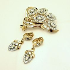 CROWN TRIFARI Pat Pend Mid Century Rhinestone Brooch Pin Earrings Set 1950s Rare Fabulous from #MyClassicJewelry on Etsy: http://ift.tt/1hyCtgg
