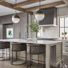"""Elizabeth Krueger Design on Instagram: """"Refined and architectural, everything from the exposed beams, to the contemporary pendants to the sleek countertop in this kitchen design…"""" Cute Kitchen, Kitchen Decor, Kitchen Ideas, Custom Builders, Chicago, Outdoor Kitchen Design, Exposed Beams, Transitional Kitchen, Contemporary Interior Design"""