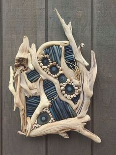 Driftwood – Lake Superior Drifting – Keep up with the times. Driftwood Wall Art, Driftwood Projects, Driftwood Beach, Driftwood Sculpture, Painted Driftwood, Driftwood Jewelry, Sky Digital, Art Pierre, Boat Crafts