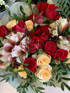 Prague, Floral Wreath, Bouquet, Wreaths, Flowers, Shop, Plants, Home Decor, Board