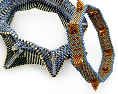 Seed Bead Bracelets, Seed Bead Jewelry, Bead Jewellery, Beaded Jewelry, Seed Beads, Geometric Necklace, Geometric Jewelry, Loom Beading, Beading Patterns