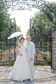 why are parasols so cute?    Photography by melaniemauer.com, Wedding Planning by OneFineDayKY.com