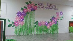 Graduation Decorations, School Decorations, Birthday Decorations, Writing Activities, Preschool Activities, Art Girl, Paper Flowers, Backdrops, Diy Projects