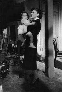 """Judy Garland enjoying some mother daughter time with two- year old Lorna Luft on the set of """"A Star Is Born"""" in 1954 Judy Garland, Lorna Luft, Liza Minnelli, Turner Classic Movies, Old Movie Stars, Old Hollywood Stars, A Star Is Born, Old Movies, American Actress"""