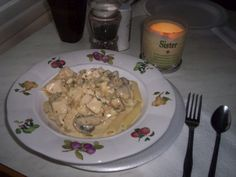 Creamy Italian Chicken ~ Crockpot Recipe  3 chicken breast    1 onion, diced    1 can cream of chicken soup    1 packet Italian dressing mix    1 Tbsp. dried parsley    1 (8-oz.) cream cheese, cubed    1 (8-oz) fresh mushrooms
