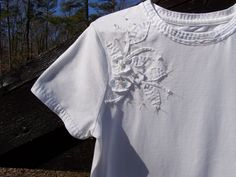 Used an old white tee to practice some alabama chanin stitching techniques on