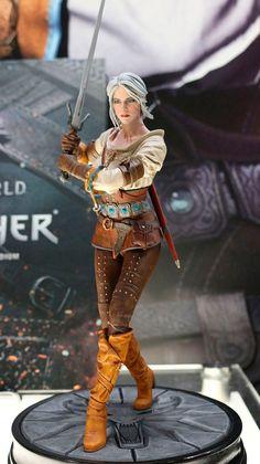 Estatua Ciri 20 cm. The Witcher 3: Wild Hunt. Dark Horse  Preciosa estatua del personaje de Triss Merigold de 20 cm de altura fabricada en material de PVC y llena de pequeños detalles en toda la pieza que hace que sea una réplica bien conseguida 100% oficial y licenciada.