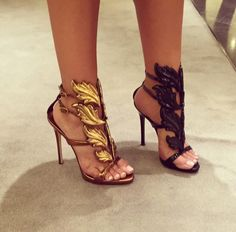 """chanel-and-louboutins: """" ★ """" http://supersexyheels.tumblr.com/"""