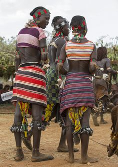 Bashada Tribe Women During A Bull Jumping Ceremony, Dimeka, Omo Valley, Ethiopia African Tribes, African Women, African Culture, African History, Tribal Fashion, African Fashion, Ethiopian Tribes, African American Artwork, Mode Costume