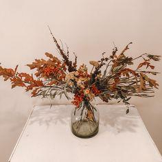 Florist, New Zealand Glass Vase, Home Decor, Decoration Home, Room Decor, Home Interior Design, Home Decoration, Interior Design