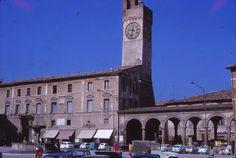 Matelica, Giugno 1970 - La torre e le Logge della Piazza Enrico Mattei