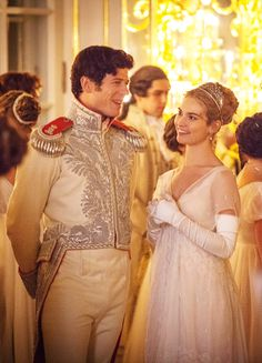 James Norton as Prince Andrei Bolkonsky and Lily James as Natasha Rostova in War and Peace (TV Mini-Series, [x] Más War And Peace Bbc, Peace Tv, Great Comet Of 1812, The Great Comet, James Norton, Historical Romance, Historical Clothing, Zombies, Lily James