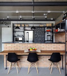 House American Style Interior Home 36 Ideas For 2019 Cottage Kitchen Cabinets, Small Cottage Kitchen, Kitchen Cabinet Design, Kitchen Taps, Modern Farmhouse Kitchens, Farmhouse Kitchen Decor, Small American Kitchens, Cuisines Design, Kitchen Remodel