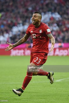 Arturo Vidal of Bayern Muenchen celebrates scoring his sides third goal during the Bundesliga match between FC Bayern Muenchen and FC Schalke 04 at Allianz Arena on April 16, 2016 in Munich, Germany.