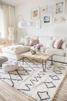 easy ways to create a spacious and beautiful living room . - mypin easy ways to create a spacious and beautiful living room … – # spacious Living Room Art, Living Room Interior, Living Room Designs, Living Room White Walls, Interior Livingroom, Budget Living Rooms, Blush Living Room, Living Room Styles, Budget Bedroom