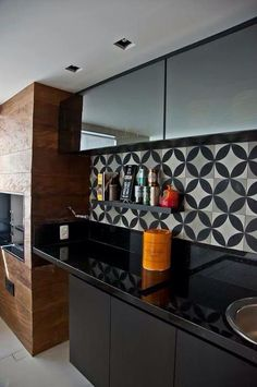 Kitchen backsplash ideas that will brighten and modernize your kitchen. with cabinets, diy for big and small kitchen - white or dark cabinets, tile patterns Home Decor Kitchen, Interior Design Kitchen, Interior Decorating, Nice Kitchen, Kitchen White, Black Kitchens, Home Kitchens, Decoration Design, Cuisines Design