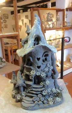 Fairy house lamp by Sallyamoss www. Fairy house lamp by Sallyamoss www. Clay Fairy House, Gnome House, Fairy Garden Houses, Clay Houses, Ceramic Houses, Diy Clay, Clay Crafts, Clay Art Projects, Polymer Clay Fairy
