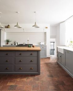 English country kitchen with brick flooring and island floor 6 Brick Kitchen Floor Ideas We're Currently Obsessing Over Devol Kitchens, Home Kitchens, Devol Shaker Kitchen, Rustic Kitchens, Kitchen Rustic, Dream Kitchens, Interior Design Kitchen, Kitchen Decor, Country Kitchen Tiles