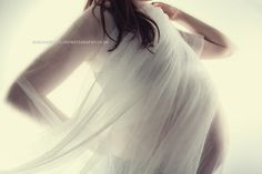wedding veil over baby bump - so sweet