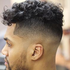 Latest Men Hairstyles, Mens Hairstyles With Beard, Cool Hairstyles For Men, Boy Hairstyles, Cool Haircuts, Haircuts For Men, Best Barber, Barber Shop, Hair Salon Names