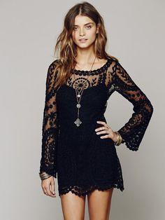 Short lace bell dress