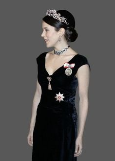 This Photo was uploaded by Madame Royale from the royal forums: Queen Ingrid's floral tiara, elements of the crown diamond suite and convertible diamond choker on velvet ribbon. Gorgeous!