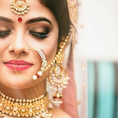 Make up for the fair skin isn't easy either. You can go too loud, too easily. For a dewy and elegant look, opt for pastels or pink duppatas and nude make up. Hints of pink and full reds can help highlight. .  .  @plushaffairs  .  .  #weddingzin #wedding #weddingphoto #weddingplanner #weddingdress #weddinggoals #weddingphotography #weddingmakeup #mua #makeup #indianbride #instabride #instalike #instagood #instafashion #instawedding